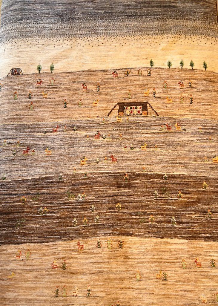 ギャッベの故郷、カシュガイ族が立つ大地