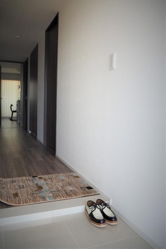 玄関横敷き