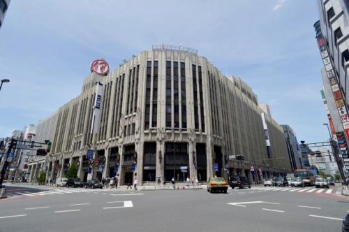 伊勢丹新宿店外観写真
