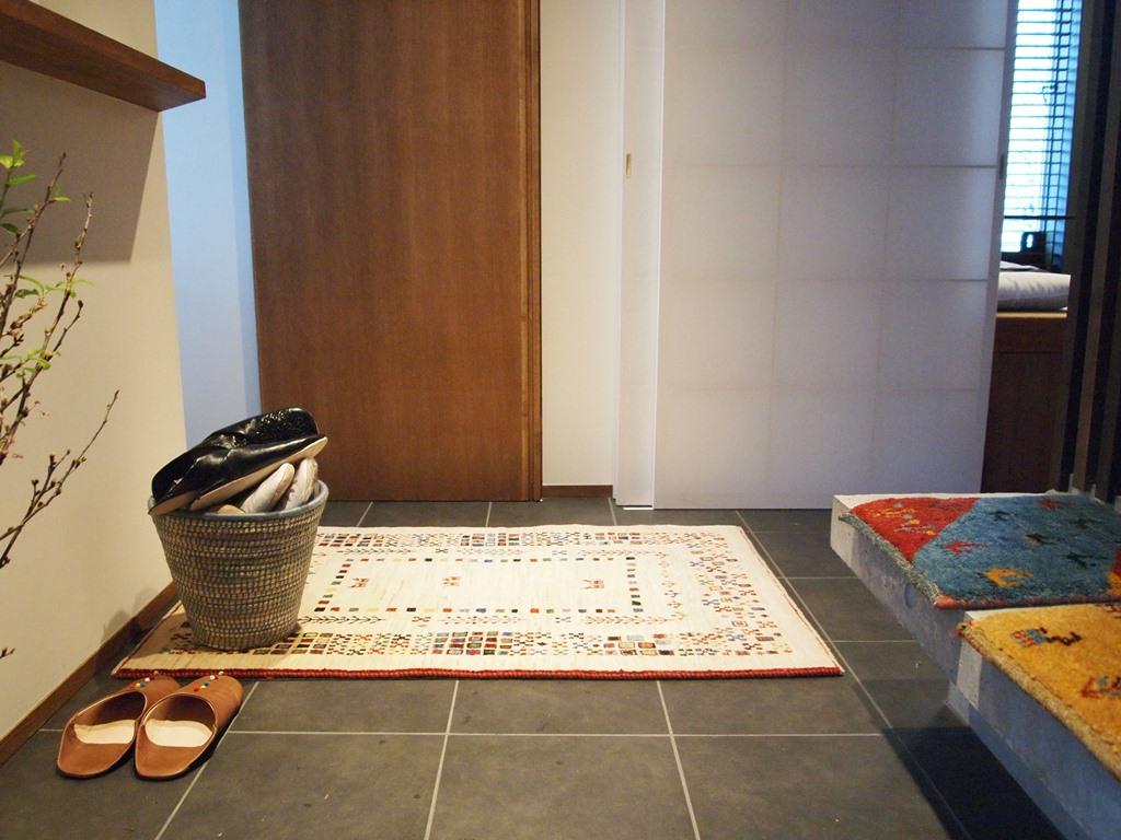 ゾランヴァリ ギャッベ ペルシャ絨毯 マツコの知らない世界 玄関マット